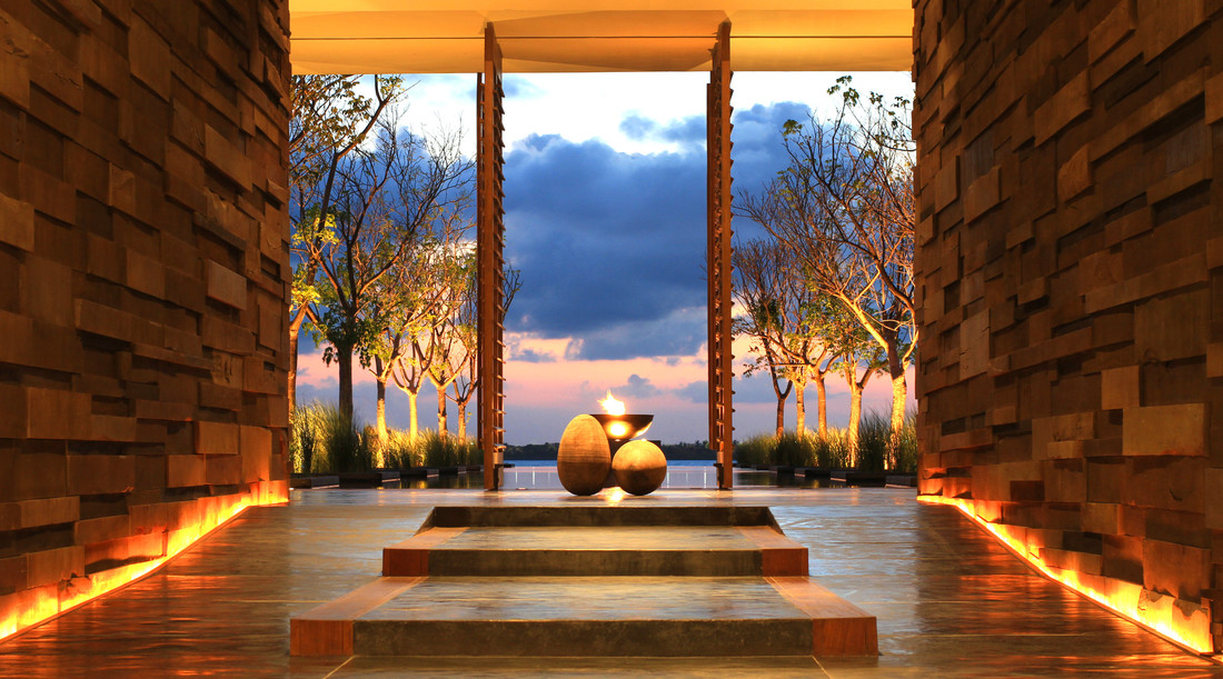 Lobby of NIZUC Resort & Spa